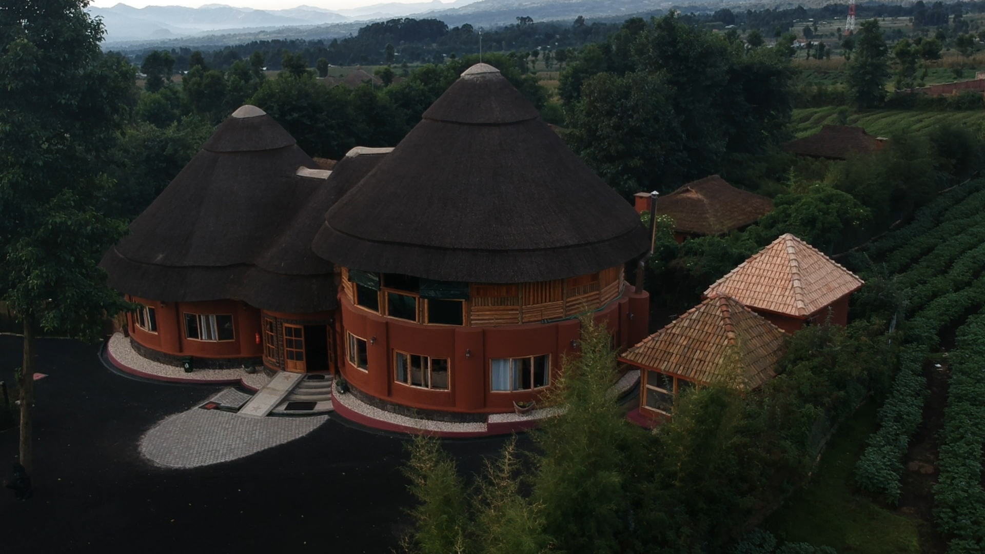 Photo of the Lodge Land scape (1)